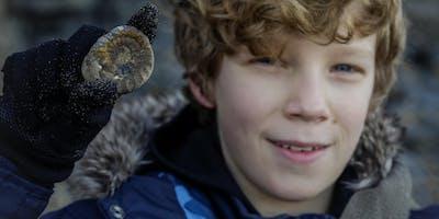 Cayton Bay Fossil Hunting Trip 08-April-2020
