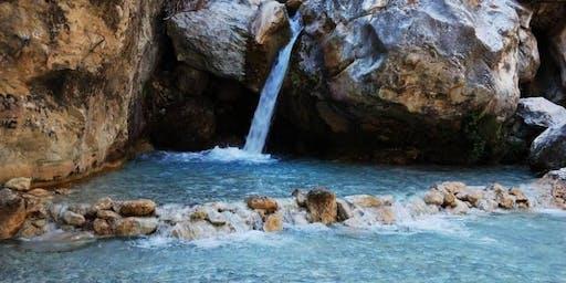 "★ Rio Chillar ★ ""Trekking day in the river"""
