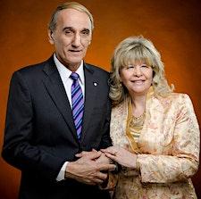 Ministerio Poderosa Visión | Pastores José y Graciela Meneguzzi logo