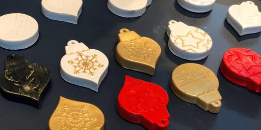 Make-Your-Own Christmas Ornament