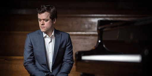 BENJAMIN GROSVENOR  - Piano