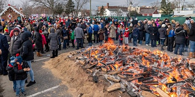 Downtown Riverhead's  Annual Holiday Parade & Bonfire