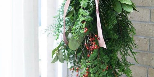Wreaths, Garlands & Winter Artisan wall hangings & Floral Decor