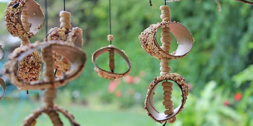 Free School Holiday Activity: Make your own Bird Feeder