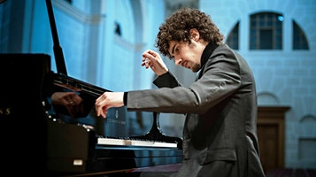 Classical Pianist Federico Colli