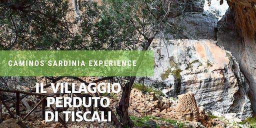 Trekking verso il villaggio nuragico di Tiscali in Sardegna.