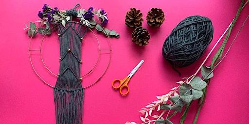 Create a beautiful Macramé Christmas Wreath