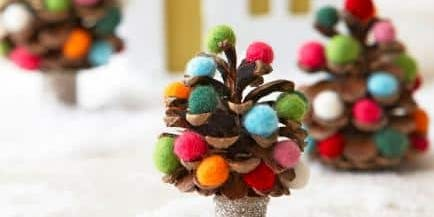 Pinecone and Snow Flake Decoration Workshop