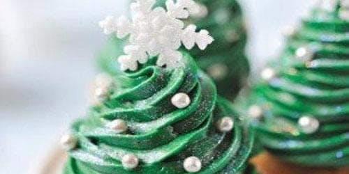Madison Christmas Cupcake Crafting