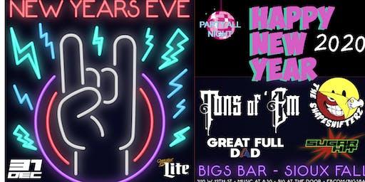 NEW YEARS EVE at BIGS BAR