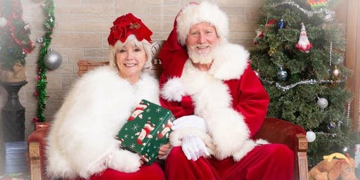 Santa and Mrs. Clause  Family Photo Opportunity