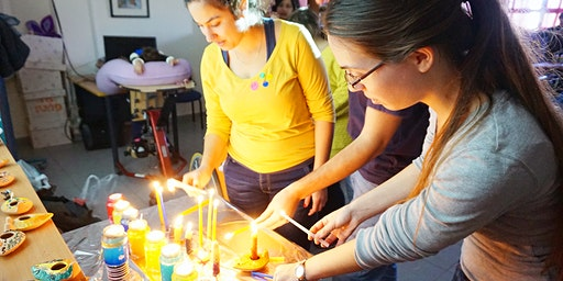 Celebrating Hanukkah with the Elderly - הדלקת נרות עם קשישים בודדים בחיפה