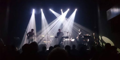HUIS et Artiste invité KINGS a Marillion tribute
