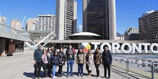 Explore Toronto Downtown – Walking Tour