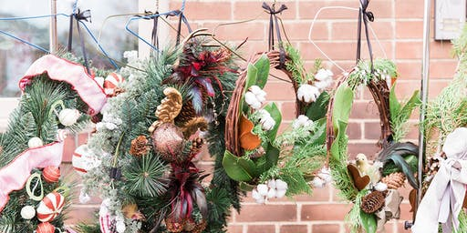 Bloom Bar by Fête - Wreath Making Class in Mid Town Toronto