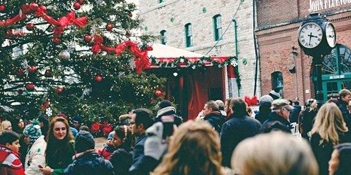 Toronto Tourist: Christmas in St. Lawrence and the Distillery District