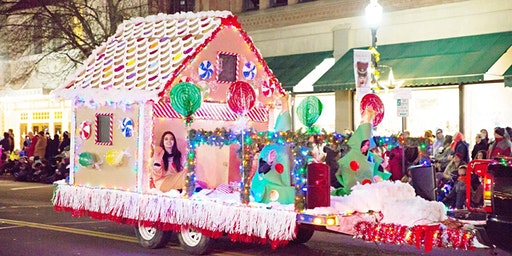Photos on The Gingerbread house Christmas float
