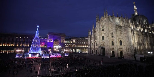 Christmas Party in Duomo. Free gadgets (English below)