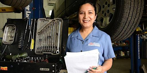 Talleres educativos en mantenimiento de Autos para mujeres