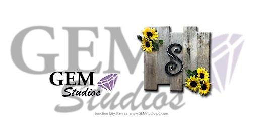 Monogram on pallets w/Sunflowers