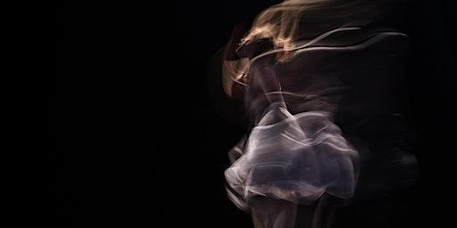 Azione, spazio e astrazione: il movimento che dà forma al pensiero