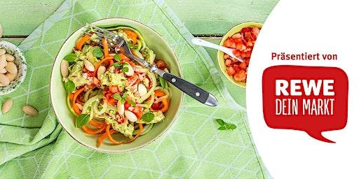 REWE Koch Workshop: Gemüsenudeln mit scharfer Avocadocreme
