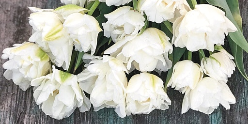 Valentine's Day gift vase arrangement workshop