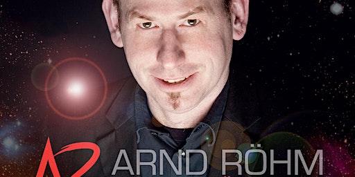 Arnd Röhm  - Augenblicke - Around the table