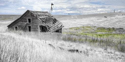 Photographing Alberta: Ruins + Relics of the Badlands