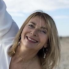 Carole Matton Kinésiologue et énergéticienne logo