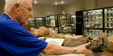 The Traveling Geology Exhibit—Bringing Geology to the People