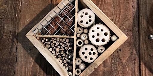 Atelier de fabrication d'hôtels à insectes