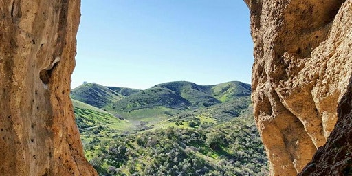 HiKing-with-Friends ~ Cave of Munits