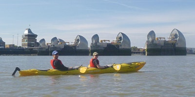 ** Barrier and Back. ( Kayaking Greenwich to the T