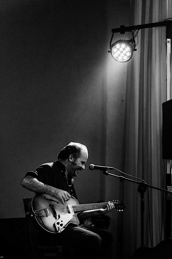 """Imagen de Eric Fuentes, """"Concerts d'estar per casa"""""""