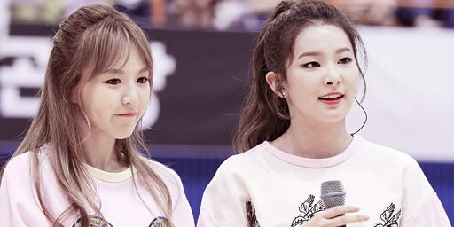 Kingdom Come -  Red Velvet's Seulgi and Wendy Cupsleeve Event
