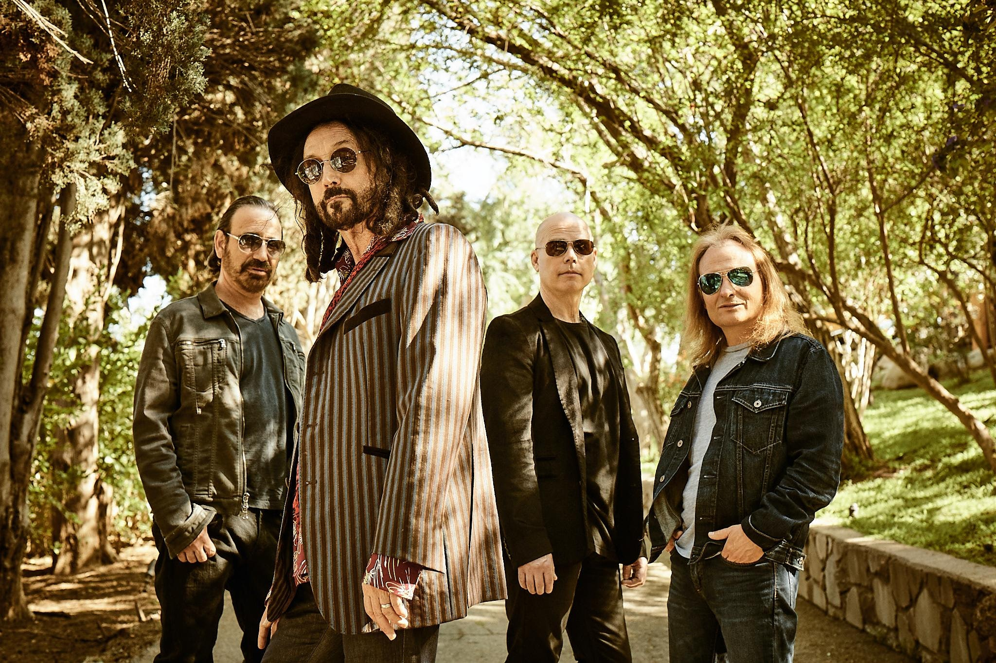 The Dirty Knobs w/Mike Campbell