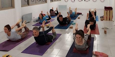 Clase de Yoga Gratuita en Yoga Tierra entradas