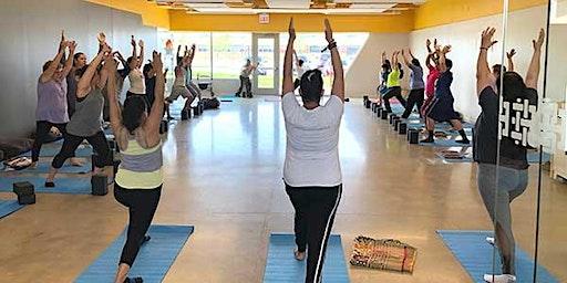 Free Yoga at Esperanza Brighton Park/Yoga Gratis at Esperanza Brighton Park