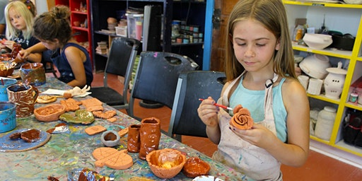 Hand-building Camp • 6-8 yrs • 6/8