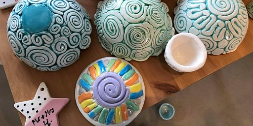 4-week Clay Hand-building pottery course!