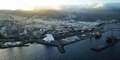 Canarias: Invitación de inauguración en Tenerife