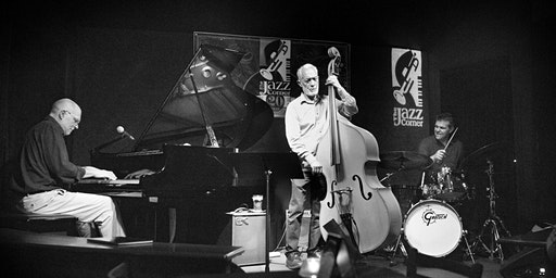 Jazz at the Winyah:  the Keith Davis Trio