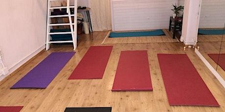 Clase de Hatha Yoga iniciación entradas