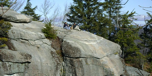 Parking at Eagle Rock in Chimney Rock State Park, February 2020