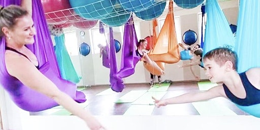 Kids Aerial Yoga with Parent 親子空中瑜珈 CNY Special (aged 4-6)