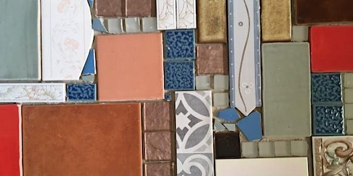Mosaics - Finishing the letterbox at the Hub 6163.