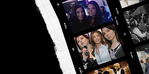 Noche Mujeres de Éxito