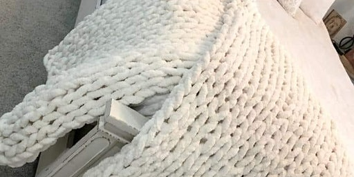 Learn how to make a chunky yarn blanket