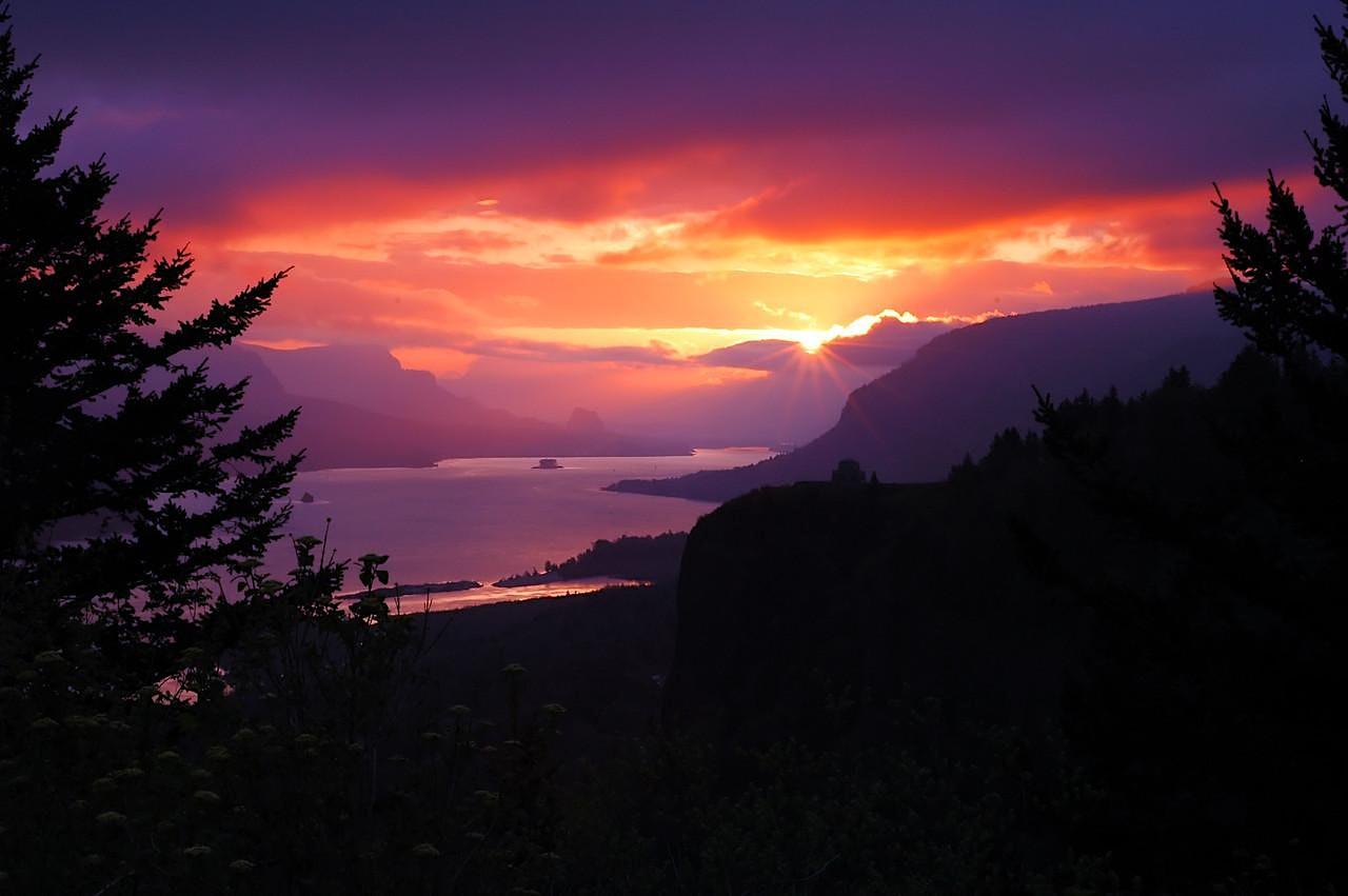Spring Equinox Sunrise Hike, OR